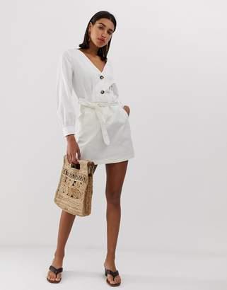 Vero Moda belted denim mini skirt in white