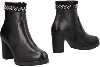 DONNA SOFT Ankle boots - Item 11487139BH