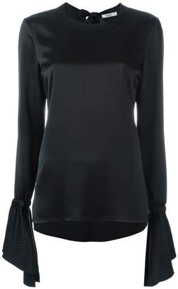 Area flared sleeves blouse