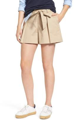 1901 Pleated Twill Bow Front Shorts