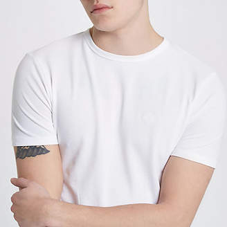 River Island Mens White pique muscle fit crew neck T-shirt