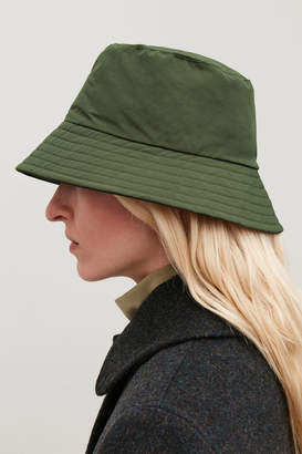 Cos PADDED WAXED-COTTON BUCKET HAT