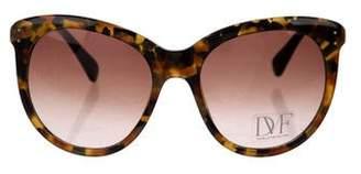 Diane von Furstenberg Riley Oversize Sunglasses