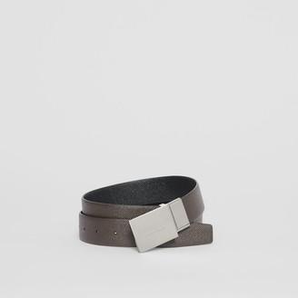 Burberry Reversible Plaque Buckle Grainy Leather Belt