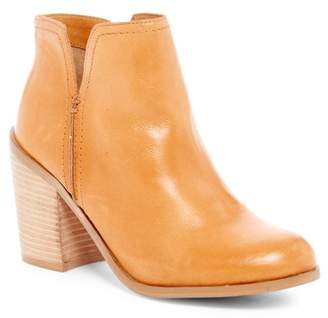 Kenneth Cole Reaction Kite Fly Leather Bootie