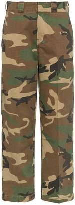 R 13 camouflage print trousers