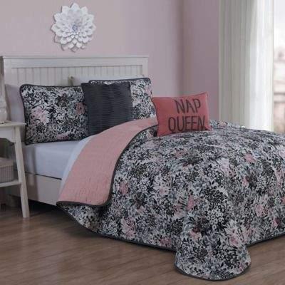Samina Reversible Queen Quilt Set in Pink
