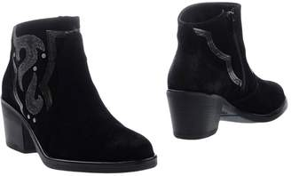 BRONX Ankle boots $144 thestylecure.com
