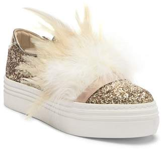 Here \u002F Now Michelle Feather Slip-On Sneaker
