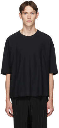 Issey Miyake Homme Plisse Black Basics Release-T T-Shirt