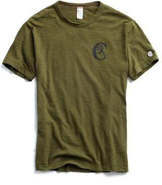 Todd Snyder + Champion Champion Graphic in Military Olive