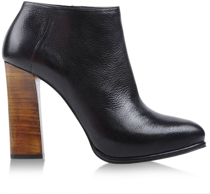 Hoss Intropia Ankle boots
