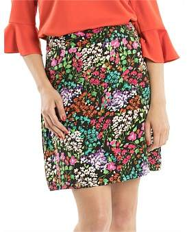 Review Astrid Floral Skirt