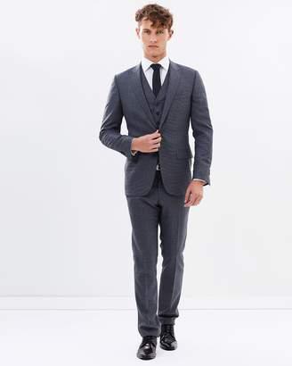 London C Suit