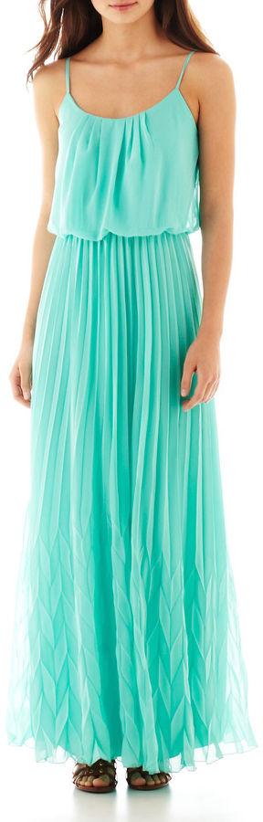 Bisou Bisou Sleeveless Pineapple-Pleat Maxi Dress
