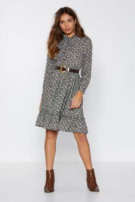 Nasty Gal Paisley a Visit Pussybow Dress