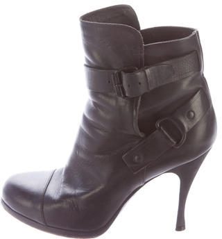 Balenciaga  Balenciaga Leather Round-Toe Ankle Boots