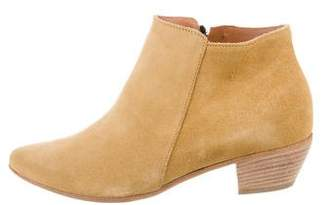 Common Projects Woman by Suede Pointed-Toe Booties