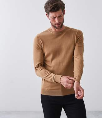 Reiss Our last order date for Christmas has now passed WESSEX MERINO WOOL JUMPER Camel