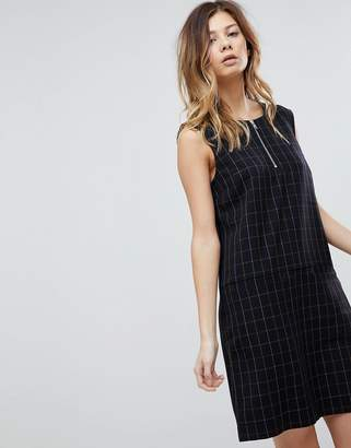 Pieces check midi shift dress with zip in navy