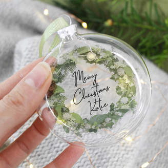 Morgan Olivia Ltd Personalised Merry Christmas Wreath Glass Bauble
