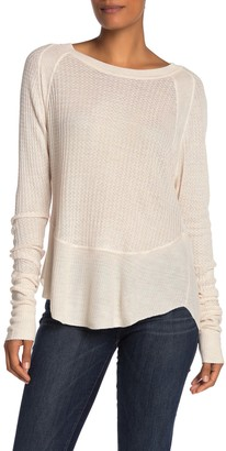 Blvd Long Sleeve Scoop Hem T-Shirt