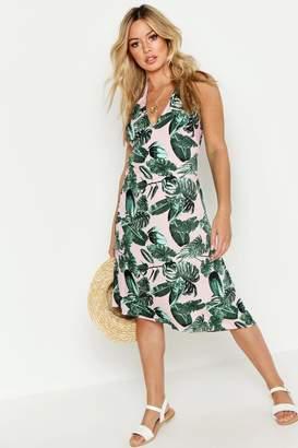 7526cf472f2cd boohoo Petite Palm Print Halterneck Beach Midi Dress