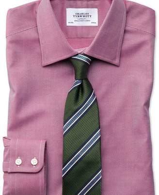 Charles Tyrwhitt Classic fit Egyptian cotton royal Oxford magenta shirt