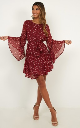 Showpo So Whats Next Dress in wine floral - 6 (XS) Dresses