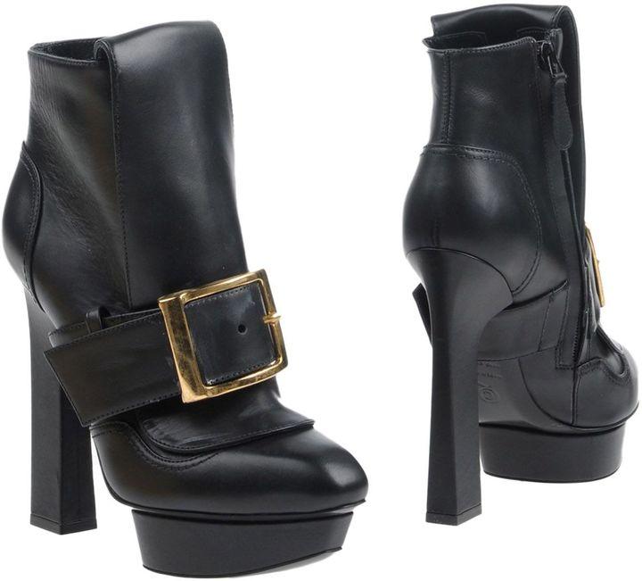 Alexander McQueenALEXANDER MCQUEEN Ankle boots