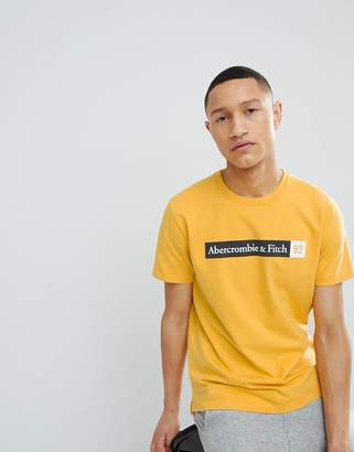 Abercrombie & Fitch T-Shirt With 92 Logo Chest Print in Yellow