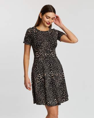 Dorothy Perkins Giraffe Print T-Shirt Dress