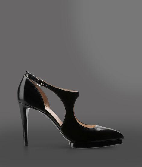 Giorgio Armani Closed-toe slip-ons