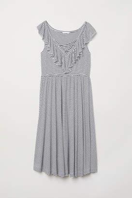 H&M MAMA Dress with Flounce - White