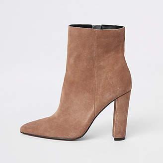 River Island Light brown suede wide fit block heel boots