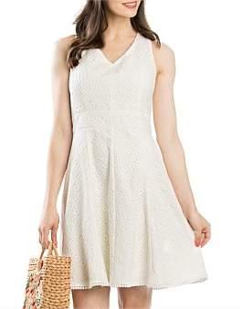 Review Lotus Lace Dress