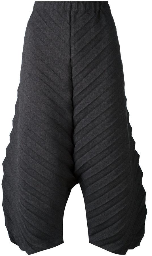 Issey MiyakeIssey Miyake Cauliflower textured cropped trousers