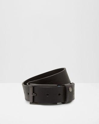 Line Detail Leather Belt $85 thestylecure.com