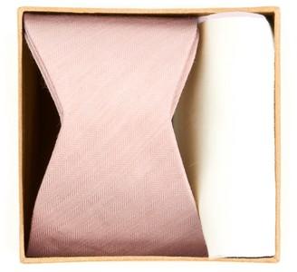 The Tie Bar Linen Row Bow Tie Box
