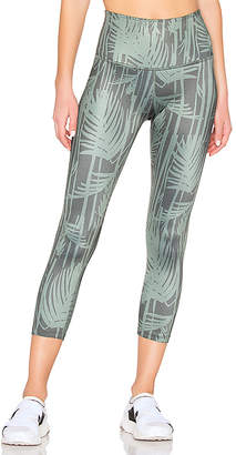 Beyond Yoga Lux Print Walk And Talk High Waisted Capri Legging