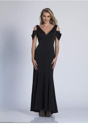Dave and Johnny Classic Black Gown