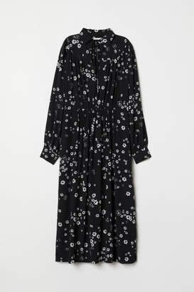 H&M Dress with Collar - Black