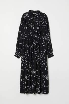 H&M Dress with Collar - Black