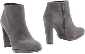 Stuart Weitzman Ankle boots - Item 11270903JL