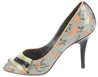 Louis Vuitton Printed Peep-Toe Pumps