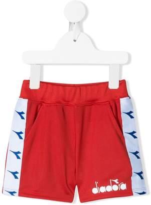 Diadora Junior side logo stripe shorts