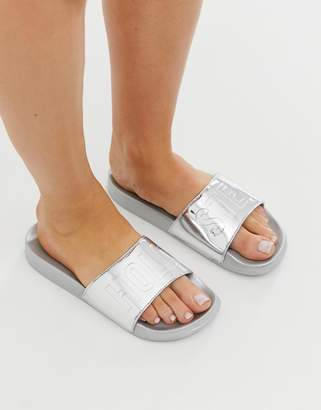 Hollister metallic slider