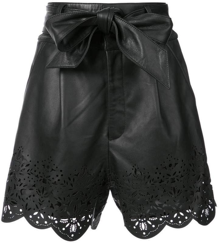 Shorts mit perforiertem Saum