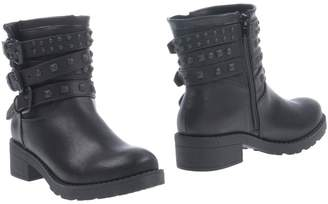 Francesco Milano Ankle boots