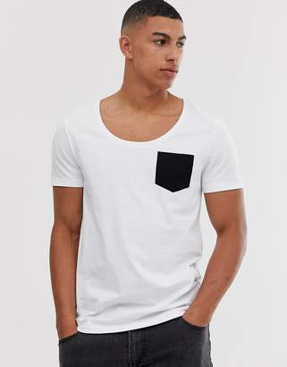 0778a673 Asos Design DESIGN t-shirt with deep scoop neck and contrast pocket in white